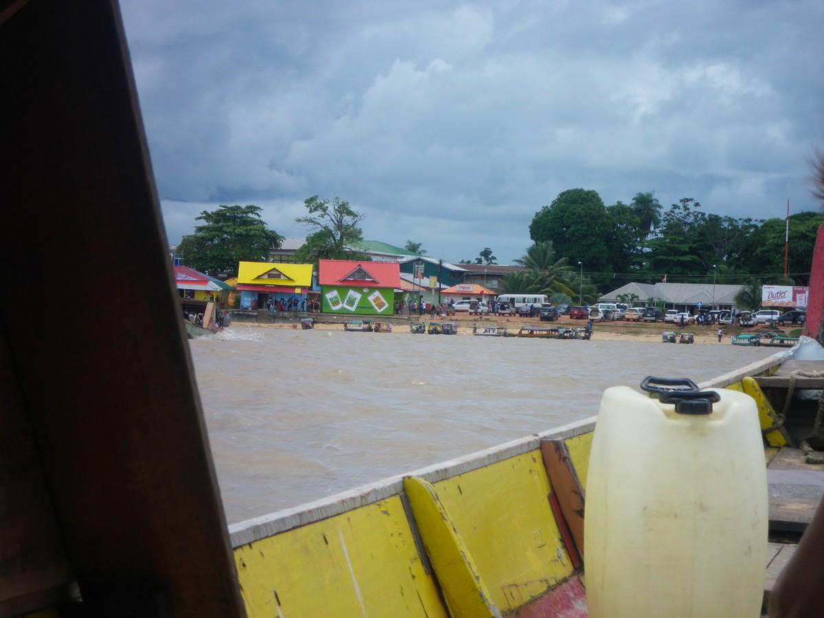 Maroni, Suriname